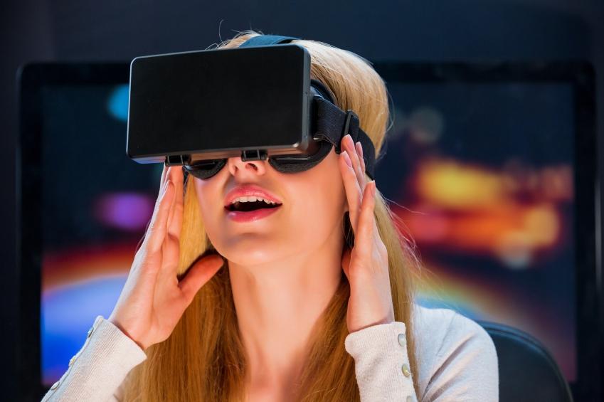 Girl in virtual reality